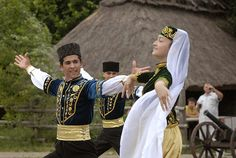 FolkCostume&Embroidery: Overview of the Folk Costumes of Europe, Crimean, Tatar