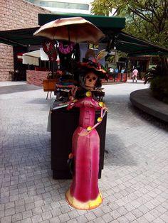 Galería de arte mexicano en El Salvador #LaCatrina