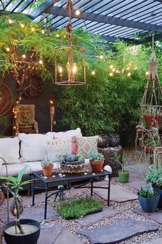 If you somehow managed to pick bohemian style decor room at the present time, which type would you pick? All the standard alternatives would likely ring a bell… Small Backyard Patio, Backyard Patio Designs, Pergola Patio, Backyard Landscaping, Outdoor Rooms, Outdoor Living, Outdoor Decor, Villa, Houseplants