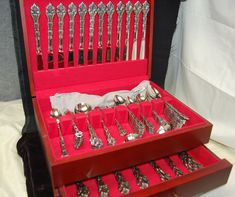 Lot 6 oneida chandelier stainless flatware community seafood fork 148 piece oneida community stainless flatware chandelier pattern chest m4432 aloadofball Images
