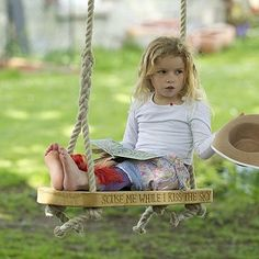 This is it!! The swing I want for the front yard tree!!! The kids would love it! What do you think?