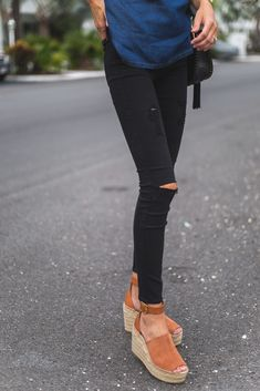 I recently had the opportunity to try out the new  7 For All Mankind b(air) denim , and, y'all, it does not disa...