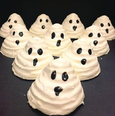 Boo Bath Melts, AKA these cute lil' ghosts, melt in your water for a warm ginger scent.   Lush's New Bath Bombs Are Halloween-Themed And I'm Freaking Out