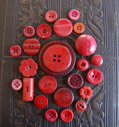 love me some vintage buttons