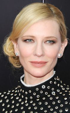 Beauty Police: Cate Blanchett Plays It Safe With a Side Chignon and Neutral Palette on Fashion Police | E! Online Mobile