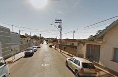 Mulher é assaltada por dupla em moto no centro de São Manuel -   Uma mulher foi assaltada na tarde desta sexta-feira, dia 06, na Rua XV de novembro, área central de São Manuel. Segundo informações, ela estava andando pela rua, quando dois homens em uma moto se aproximaram e anunciaram o assalto.Os indivíduos levaram a bolsa da vítima com documentos, perten - http://acontecebotucatu.com.br/policia/mulher-e-assaltada-por-dupla-em-moto-no-centro-de-sao-manuel/