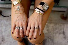 Bracelet femme Craquez pour ce bracelet femme Son côté chic et très romantqiue seront un atout pour mettre votre tenue en valeur. La nouvelle collection de bijoux fantaisie tendance 2017 est à shop…