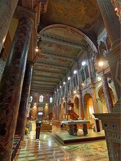 Milan (Italy): Sanctuary of Sant'Antonio da Padova
