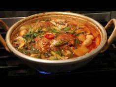 Spicy pork BBQ (Dwaejibulgogi: 돼지불고기) - YouTube