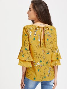 To find out about the Layered Trumpet Sleeve Keyhole Tie Back Botanical Top at SHEIN, part of our latest Blouses ready to shop online today! Blouse Styles, Blouse Designs, Hijab Fashion, Fashion Dresses, Mode Hijab, Western Dresses, Short Tops, How To Roll Sleeves, Indian Designer Wear
