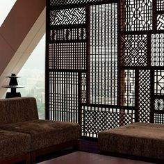 modern room wall divider partition - http://www.home-dzine.co.za/decor/decor-interior-partitions.htm