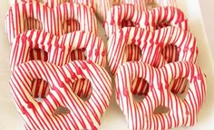 Christmas pretzels - love!