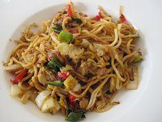 Gebratene Nudeln Asia Art, ein sehr schönes Rezept aus der Kategorie Geflügel. Bewertungen: 66. Durchschnitt: Ø 4,3.