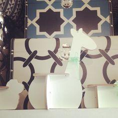 Margaret Girafa Miniature 3DPuzzleDesignCollection  65  Olha a Margaret que #graça neste fundo!!!   A turma toda está numa #loja linda em #Pinheiros .  Passem lá pra visitar e levar pra casa logo antes que acabe :) Uhuuuu  Rua Artur de Azevedo 1561  Pinheiros  #arturdeazevedo #mateusgrou #cool #design #bacana #sustentavel #lindo #presente #sustentavelcomestilo  Visite nossa pagina e nosso Shop Link direto na descrição do perfil :) Conheçam o projeto e vejam nossos produtos sustentáveis :)…