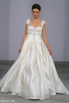 Pnina Tornai - One of my all-time favorite wedding gowns!