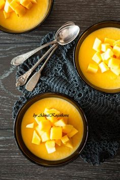 Mango puddings - http://www.pincookie.com/mango-puddings/