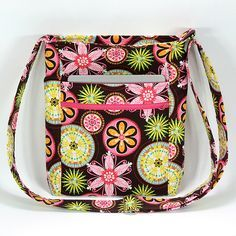"""Great Tutorial """"Two Zip Hipster w/ iPad 2 pocket"""