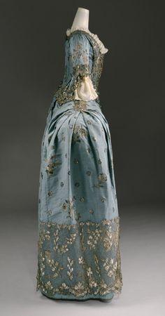 1750, British Court Gown (side view)