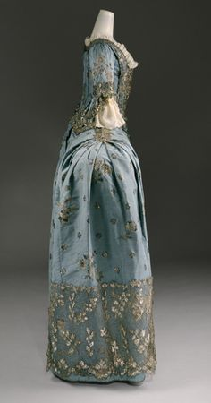 1750, British Court Gown (side view)