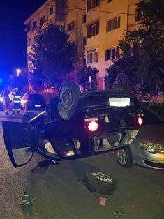 Băut la volan, a pierdut controlul direcției și a lovit 4 mașini parcate!