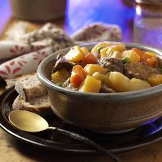 Hearty Hunter's Stew Recipe- Recipes Moist, tender meat and thick, rich gravy are the hallmarks of this classic recipe slow-simmered in a cast-iron pot. Venison Recipes, Crockpot Recipes, Soup Recipes, Cooking Recipes, Game Recipes, Oven Cooking, Chili Recipes, Diabetic Recipes, Pasta Recipes