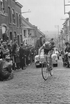 Tour de France 1961. 3^Tappa, 27 giugno. Roubaix > Charleroi. Grammont. Jaap Kersten (1934)