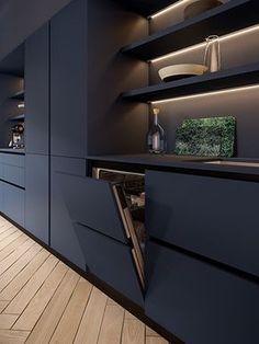 Les étagères ouvertes de cette cuisine, très aériennes, sont mises en valeur par un subtil jeu de lumières. #cuisine #mobalpa #étagère #décoration #aménagement #luminaire #bleu #inspiration #rangements #façade