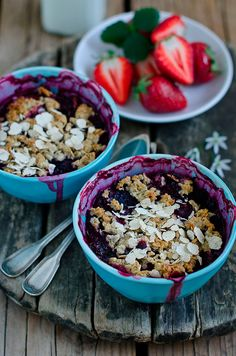 Here's a delicious yet sensible dessert recipe that contains the healthy fiber of oats, the antioxidant properties of blueberries, and the crunchy goodness of almonds...plus it tastes great!