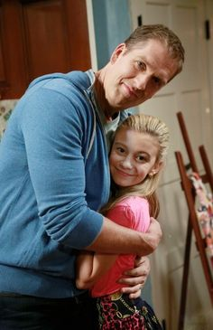 Bennett and Avery Disney Channel Stars, Disney Stars, G Hannelius, Dog With A Blog, Farm Dogs, Disney Dogs, Movie Memes, Kids Shows, Best Shows Ever
