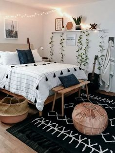 Boho bedroom decor cozy wood with black carpet Tumblr Bedroom Decor, Boho Bedroom Decor, Room Ideas Bedroom, Home Bedroom, Modern Bedroom, Bedroom Designs, Master Bedroom, Bedroom Inspo, Contemporary Bedroom