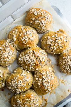 Grovboller – nemme og sunde boller Baking Recipes, Snack Recipes, Recovery Food, Bread Bun, Health Breakfast, How To Make Bread, I Love Food, Food Inspiration, Food Porn