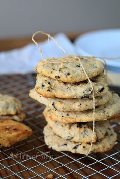 KETO CHOCOLATE CHIP COOKIES - A Hint of Yellow