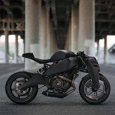 Meet the Ronin 47, a limited edition superbike based on the Buell 1125 from high-tech firearms specialist Magpul Industries. Batman, your motorcycle awaits.