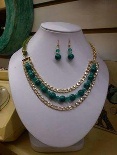 Handmade Jewelry Designs, Custom Jewelry Design, Jewelery, Jewelry Necklaces, Beaded Bracelets, Diy Necklace, Necklace Designs, Jewelry Making Beads, Modern Jewelry