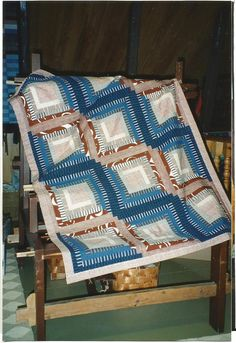 "Tilkkutyö maritilkuista ""Pentu portaissa"" Quilts, Blanket, Bed, Home, Stream Bed, Quilt Sets, Ad Home, Blankets, Homes"