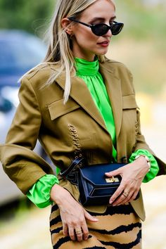 All of the cutest street style from Milan Fashion Week Spring 2019 season. Street Style Trends, Spring Street Style, Street Styles, Street Fashion Show, Womens Fashion Australia, Milan Fashion Weeks, Fashion Advice, Fashion Models, Fashion Hats