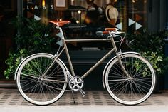 Independent maker tokyobike create an exclusive bike for London retailer Trunk, the Marylebone store receiving a custom, limited edition city cycle.