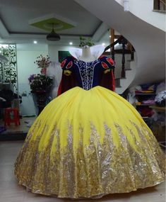 disney princess Snow White Royal - Disney Princess - Disney Ballgown - Adult Snow White The costume will take weeks for done it's can be also in 2 weeks . And shipping days take Robes Disney, Disney Princess Costumes, Disney Princess Dresses, Princess Ball Gowns, Disney Dresses, Adult Princess Costume, Disney Princess Snow White, Pretty Quinceanera Dresses, Pretty Dresses