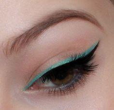 Make-Up Beauty Cat Eyeliner EyelinerStyles Makeup turqouise turqouise cat eyeliner makeup beauty Eyeliner Looks, No Eyeliner Makeup, Winged Eyeliner, Makeup Geek, Makeup Inspo, Makeup Inspiration, Hair Makeup, Eyeliner Ideas, Makeup Tips