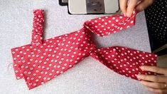 How to Make Twist Turban Headband Twisted Headband Sewing Pattern ฟร Turban Headband Tutorial, Twist Headband, Diy Headband, Headband Pattern, Sewing Hacks, Sewing Tutorials, Sewing Crafts, Sewing Projects, Sewing Patterns
