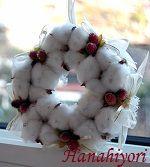 綿の実のリース Burlap Wreath, Christmas Wreaths, Holiday Decor, Gifts, Home Decor, Presents, Decoration Home, Room Decor, Burlap Garland