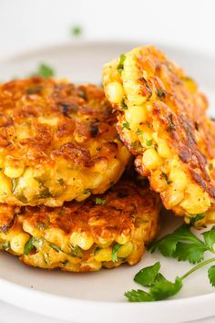 Corn Fritters Recipe - Crispy on the edges, soft in the middle and so delicious, a great side dish for a host of dinners! : Corn Fritters Recipe - Crispy on the edges, soft in the middle and so delicious, a great side dish for a host of dinners! Side Dish Recipes, Vegetable Recipes, Vegetarian Recipes, Cooking Recipes, Dinner Recipes, Healthy Recipes, Brisket Side Dishes, Brisket Sides, Corn Fritter Recipes