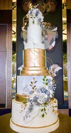 Never under no circumstances place your wedding event cake near the dance floor since the boogie bopper might cause a lotta heartache. A consistent table is a should for the cutting of the cake. Extravagant Wedding Cakes, Tall Wedding Cakes, Wedding Cake Centerpieces, Wedding Dress Cake, Beautiful Wedding Cakes, Gorgeous Cakes, Cake Decorations, Fresh Flower Cake, Fresh Flowers
