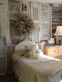 Shabby chic bedroom with entire wall full of vintage shutters Shabby Chic Bedrooms, Shabby Chic Homes, Shabby Chic Furniture, Furniture Decor, Rustic Bedrooms, Rustic Room, Style Shabby Chic, Romantic Shabby Chic, Style At Home
