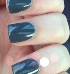 "alessandro ""New York Grey"" http://www.alessandro-international.us/store/product/nail-polish-new-york-grey/"