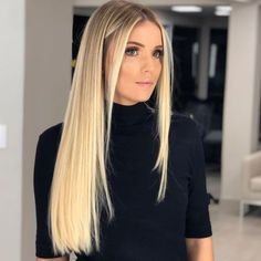 Golden Blonde Balayage for Straight Hair - Honey Blonde Hair Inspiration - The Trending Hairstyle Medium Blonde Hair, Honey Blonde Hair, Blonde Hair Looks, Long Blond Hair, Long Natural Hair, Natural Hair Styles, Long Hair Styles, Trending Hairstyles, Blonde Balayage