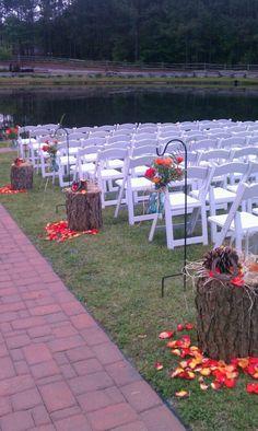 Aisle for outdoor wedding at Shady Wagon Farm by Edy and Lou Ann.