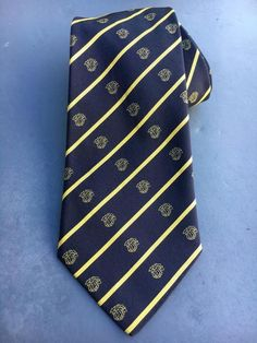 7918da1122d4 GIANNI VERSACE~100% SILK TIE~CRAVATTE~STRIPE WITH MEDUSA LOGO MADE IN ITALY  | eBay