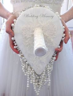 This is the shape I want for the bouquet Crystal Bouquet, Bridal Brooch Bouquet, Diy Bouquet, Bride Bouquets, Bridesmaid Bouquet, Boquet, Handmade Flowers, Pearl White, Wedding Accessories