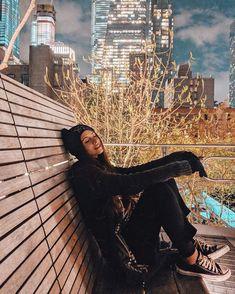 HighLine a noite em NYC. Vale a pena conhecer esse lugar. Instagram: @viihrocha #lookdodia